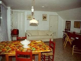 Romantic Rome Apartment With Garden Terrace - San Lorenzo a Merse vacation rentals