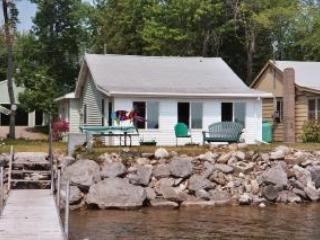 Lakeside Getaway in summer - Lakeside Getaway on Black Lake - Onaway - rentals