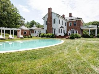 Extraordinary Keswick estate with private pool - Central Virginia vacation rentals