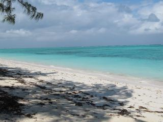 Just steps from the inviting turquoise ocean...... - North Caicos vacation rentals