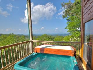 Luxury Mountain View Home. King Beds. Pool Table - Gatlinburg vacation rentals