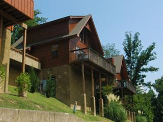 Minutes To Parkway W/ Hot Tub,Pool Table,Wi-Fi - Gatlinburg vacation rentals