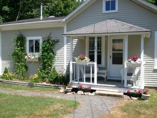 Shubert Bungalow - Walk to Acadia Carriage roads - DownEast and Acadia Maine vacation rentals