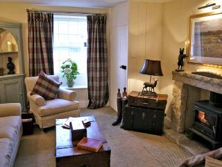 EGTON COTTAGE, pet friendly, luxury holiday cottage, with open fire in Egton Near Whitby, Ref 4526 - Egton vacation rentals