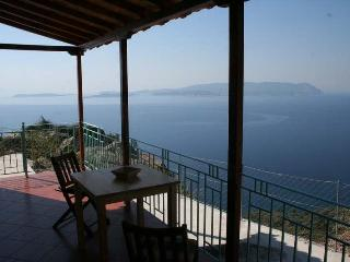 Clifftop Cottage, fabulous views Skopelos island - Glossa vacation rentals