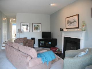 Bayside Ocean Edge: 3 Bedrooms with Central A/C, Beach & Pool - BP0397 - Brewster vacation rentals