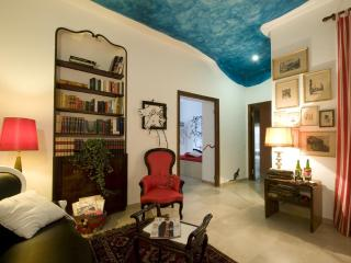 A r t A p a r t R o m e -Unique Artistic Apartment - Rome vacation rentals