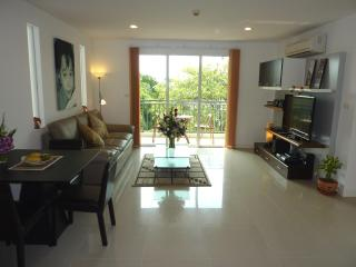 The Silk - Nice 2 Bed 2 Bath Condo central Bangkok - Bangkok vacation rentals