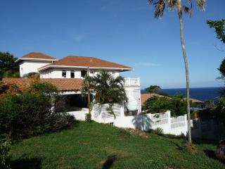 Unique West Bay Location, Villa with  Pool - Roatan vacation rentals