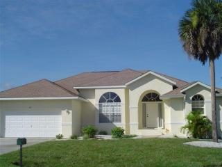3 bedroom Lakeside Villa near Gulf Coast beaches - Rotonda West vacation rentals