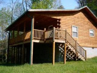 FOX CREEK WATERSIDE CABIN - Just minutes to train - Bryson City vacation rentals