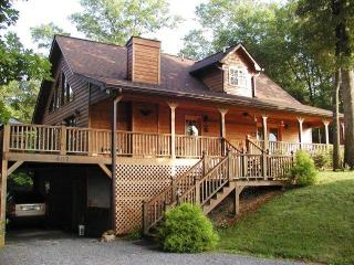 FOX HILL CABIN near Tail of the Dragon & Fontana - Smoky Mountains vacation rentals
