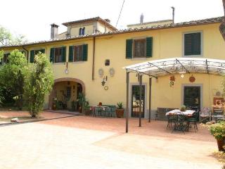 Villa heated pool, jacuzzi, 12 miles from Florence - Montespertoli vacation rentals