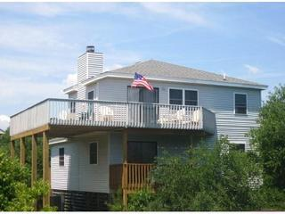 Ocean Peace, View from community street - Lazy Bear Inn (Fr. Ocean Peace)-4 BR Corolla Beach - Corolla - rentals