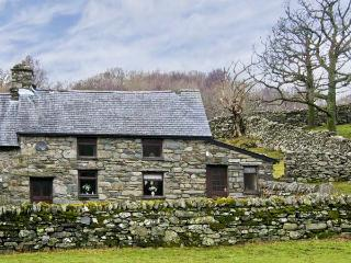 Y BWTHYN, pet friendly, character holiday cottage, with a garden in Llanbedr, Ref 5228 - Llanbedr vacation rentals