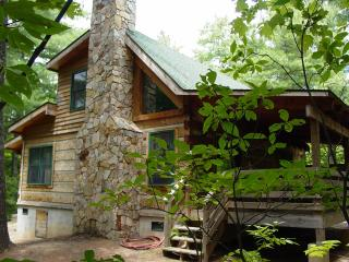 Honeymoon Cabin/Hot Tub/FP/WiFi/ 6th-7th nts FREE - Boone vacation rentals