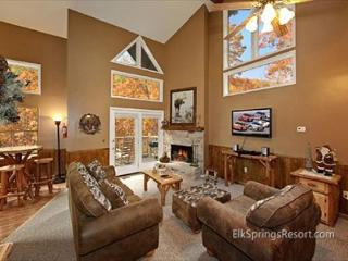 Downtown Gatlinburg 1 Bedroom Creekside Chalet - Gatlinburg vacation rentals