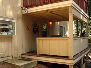 Outer deck and front entry - In Yosemite, 1 bedroom rental near Badger Pass ski - Yosemite National Park - rentals