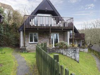 59 VALLEY LODGE, pet friendly, country holiday cottage, hot tub in Gunnislake Near Dartmoor, Ref 5198 - Gunnislake vacation rentals
