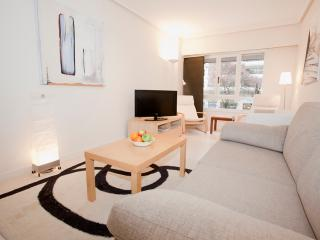 Affordable modern refurbished close 2 stadium WIFI - San Sebastian - Donostia vacation rentals