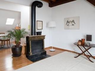 Living & dining room - SURAH serviced apartment charming 1920 house - Lausanne - rentals