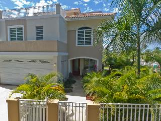 NEW HOME-4 BED/4 BATH, POOL, STEP TO BEACH/DINING - Rincon vacation rentals