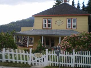 Victoria Falls Guest House - staying in the heart! - Kootenay Rockies vacation rentals