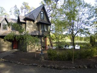 The Lake House - Enchanting Wine Country Privacy - Willamette Valley vacation rentals