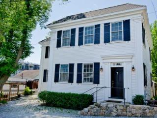 HILL HOUSE ON SPRING STREET: IN-TOWN LUXURY WITH WATER VIEWS - VH RADA-12 - Vineyard Haven vacation rentals