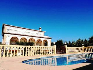 Villa Javea 5 Bed. Private pool Air-con Free Wi-Fi - Jalon vacation rentals