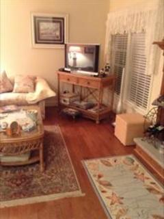 Fabulous Condo with 2 BR, 3 BA in Cape May (5983) - Image 1 - Cape May - rentals