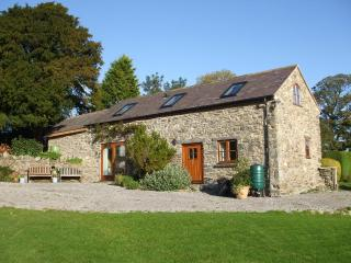 Gwenoldy (Swallows' Rest) 5 star country cottage - Mold vacation rentals