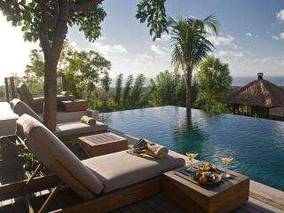 Uluwatu Bali Villa Capung luxury 3bdrm stunning views - Nusa Dua Peninsula vacation rentals