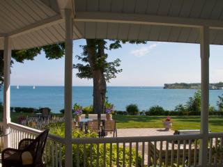 Million$ view-Downtown-Lakefront-Walk Everywhere! - Niagara-on-the-Lake vacation rentals