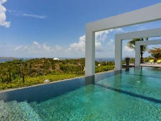 One-level Agave, bask in sunset views, pool, fitness room & daily housekeeping - Saint Barthelemy vacation rentals