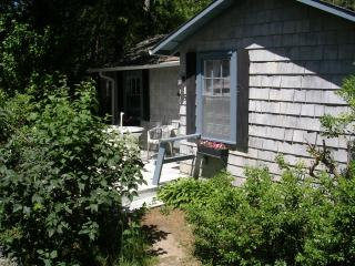 Quiet Lakeside Cottage - Ideal for Couple - Cape Cod vacation rentals
