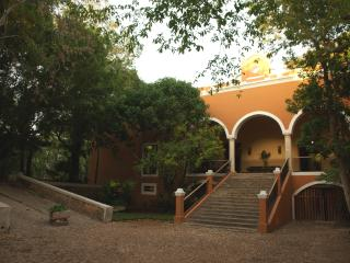 Itzincab, 14 bedroom private hacienda in Yucatan - Tecoh vacation rentals