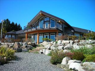 Beachside Garden B & B - Iris Room - Ladysmith vacation rentals