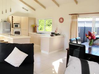 Muri Beach Hideaway - Maine Villa - Southern Cook Islands vacation rentals