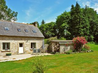 2 bedroom/2 bath House in the Hearth of Brittany - Ploerdut vacation rentals