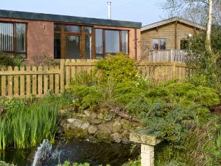 NUTHATCH, pet friendly, country holiday cottage, with open fire in High Head Castle Farm, Ref 4560 - Ivegill vacation rentals