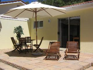 Cottage Chardonnay at Constantia Cottages - Cape Town vacation rentals