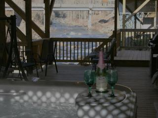 1Br HOT TUB 10ft above River FIRE PLACE 16x40 DECK - Blue Ridge Mountains vacation rentals