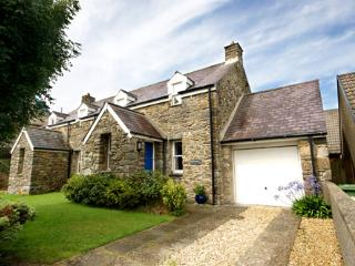 Child Friendly Holiday Cottage - Ropeyard Cottage, Fishguard - Pembrokeshire vacation rentals