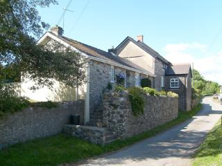 Pet Friendly Holiday Cottage - Salar, Lawrenny - Lawrenny vacation rentals
