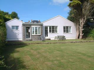 Holiday Home - Gwestyr Wennol, Trefin - Trefin vacation rentals