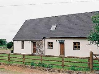 Pet Friendly Holiday Cottage - Siop Fach, Brynberian, Nr Newport - Newport vacation rentals