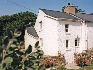 Pet Friendly Holiday Cottage - Tyrhibin Ganol, Newport Sands - Pembrokeshire vacation rentals