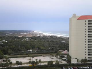 7th Floor Luau 2 Studio Best Rate Steps Sandestin - Destin vacation rentals