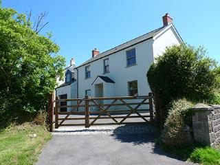 Child Friendly Holiday Home - Whitehall House, Angle - Angle vacation rentals